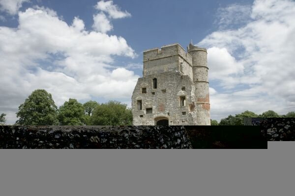 Donnington Castle. The Gatehouse of the 14th-century Donnington Castle
