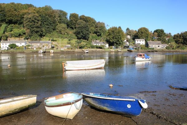 Lerryn nr Fowey Cornwall AutumnRiver Saling Boats Riverside cottages